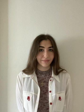 Photo of Elena Hanna