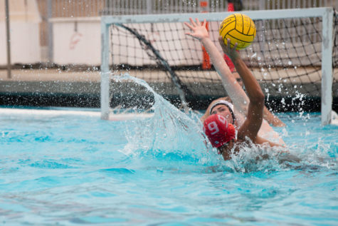 Boys Varsity Water Polo loses 11-10 in opening game