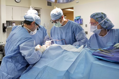 Photo from surgery Bennett witnessed. The doctor in the center is named Dr. Koenig and he is an orthopedic surgeon. PHOTO COURTESY OF BRADLEY BENNETT